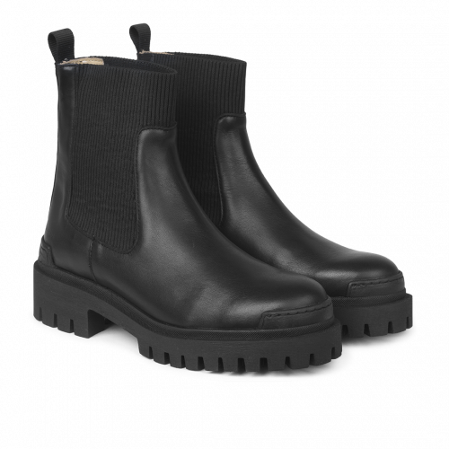Boot With Elastic Black