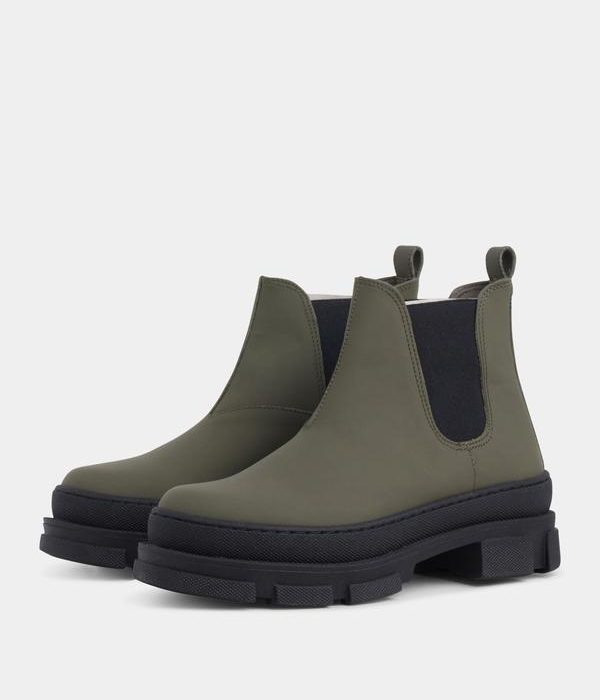 Boots Irean Chelsea Army